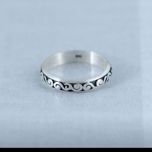 Sterling silver thumb ring